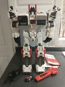 Transformers Generations Metroplex Thrilling 30th 99 Complete W/ Scamper