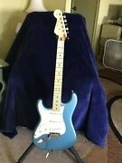 Fender 2019 Player Stratocaster Left-handed Electric Guitar Upgraded Tuners Blue