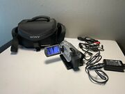 Sony Handycam Dcr-sr200 40 Gb Hdd Camcorder 60x With Charger + Accessories.