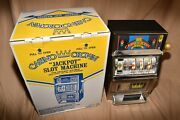 Vintage Waco Casino Crown Novelty Slot Machine 25 Cent Coin Works Rare