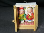 Vintage Wooden Carolers Christmas Tree Ornament Shutter Box Hand Painted B1687