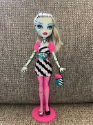 Monster High Frankie Stein Dawn Of The Dance Doll With Purse And Stand