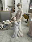 Someone To Look Up To Mother And Girl Child Lladro 6771