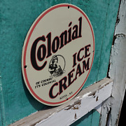 Vintage 1945 Colonial Ice Cream Frozen Dessert Company Porcelain Gas And Oil Sign