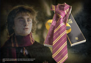 Harry Potter Gift Set 100 Silk Tie And Harry Potters Wand In Ollivanders Box Wb