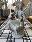 Lladro 7612 Picture Perfect Lady Sitting With A Dog Comes With Damaged Parasol