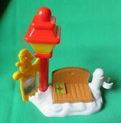 Fisher Price Little People 2004 Christmas Tree Lighting Discovery Lamp Post