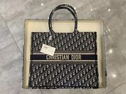 Dior Book Tote Bag Nwt Authentic Vea43001 Reference M1286zriw_m928