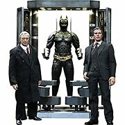 Movie Masterpiece Dark Night 1/6 Scale Figure Alfred Penny Worth And Bat Sui
