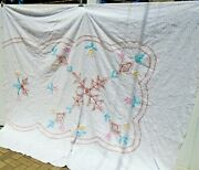Vintage White Color Floral Leaf Mediumweight Chenille Bedspread 89 X 105 Cutter