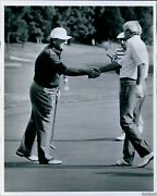 1985 Golfer Miller Barber Shakes With Gary Brewer And Bob Toski Sports Photo 7x9