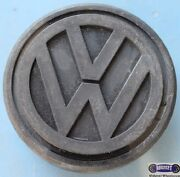 And03983-and03992 Vw Cabriolet Con Jetta Quantum Raised Logo 2-1/4. 55mm 69637b