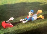 Extremely Rare Walt Disney Donald Duck With Lawnmower Big Figurine Statue