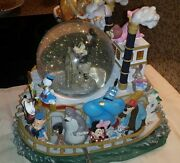 Extremely Rare Walt Disney Mickey Mouse And Friends Steam Boat Snowglobe Statue