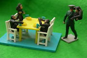 Britains Zoo Collection Chimpanzeeand039s Tea Party Multi-listing