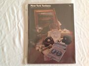 Vintage 1981 Mlb New York Yankees Score Book And Collectible Magazine