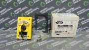 New Rees 04910-100 4 Pole 2 Position Rotary Contact Selector With Latch