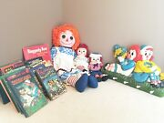 Vintage Raggedy Ann And Andy Collectors Set Books Dolls Hanging Pegs