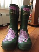 Joules Womenand039s Molly Welly Rain Boot Green Whitstable Floral 7 M Us
