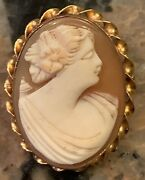 Exquisite Victorian Signed Amco 10k Gold Cameo Broach 1.25andrdquo X .75andrdquo 4 Grams