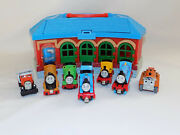 Thomas The Train Take Along N Play Tidmouth Shed Roundhouse Station W/ 8 Diecast