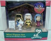 Forever Fun Peanuts Snoopy And Gang Christmas Play Mini Figure Set