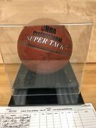 03-04 Kobe Bryant, Shaq, Malone, + Rest Lakers Team Signed Ball W/case And Pics