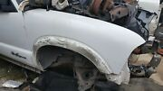 S10 Xtreme Blazer Right Fender No Molding 2002 Used White Local Pickups
