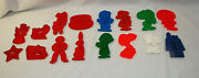 Cookie Cutters Peanuts, Tupperware And Hrm Plastic Assorted Vintage 16 Total S9017