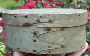 Early 1800andrsquos Shaker 3-finger Miniature Gray Blue Shaker Pantry Box 6andrdquo Diameter