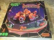 Lemax Pumpkin Tilt N Hurl Spooky Town -holiday Village Animated And Sound