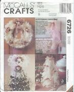 Mccall's 6726 Sew Pattern A Victorian Christmas Lace Wreath, Stockings Decor