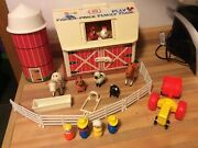 Vintage 1985 Fisher Price Little People Play Family Farm Barn 915