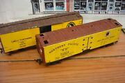 2 Vintage Metal Reefers-varney Np 91072 Northern Pacific 40' Reefer And Gn 44070