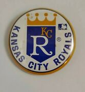 Vintage Late1980and039s Early 1990and039s Kansas City Royals 1.25 Button / Pin