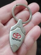 🔴toyota - Famous Japanese Car Company Red Logo Well Made Vintage Keychain