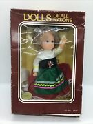 Vintage Dolls Of All Nations - 7 Doll - Collectible In Box - Italy