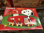 Vintage Snoopy Peanuts Train Set Large Size New In Box Old Stock