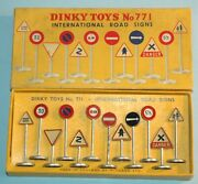 Meccano England Dinky Toys No 771 International Road Signs Boxed Gift Set 1953