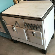 Vintage 1930and039s Gas Chambers Stove