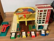 Vintage Fisher Price Little People Garage 930 Wooden Original People And Cars