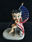 Extremely Rare Betty Boop Sitting Sexy With American Flag Small Figurine Statue