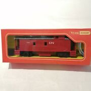 Triang - R115 Cn Canadian National Caboose 7482 - Ho/oo
