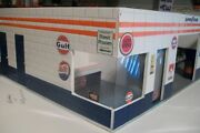 118 Diorama 2 Bay Gulf B/model Hand Made Cbcustomtoys Assembaly Required