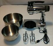 Sunbeam Deluxe Mixmaster 12 Speed W / Beaters Vintage Black And Silver Mixer