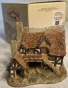 David Winter Cottages The Bothy 1983 Signed Jacqui Griffin W/original Box No Coa