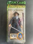Toy Biz Lord Of The Rings Lotr Gandalf The Grey With Light-up Staff