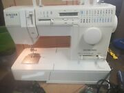 Singer Sewing Machine 9334 120v W/ Foot Pedal Works