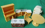 Calico Critters Kozy Kitchen Furniture Stove Fridge Sink Table Chair Hutch Lot