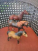 Vintage Lot Of 3 Classic And Traditional Breyer Horses Pre Owned Condition